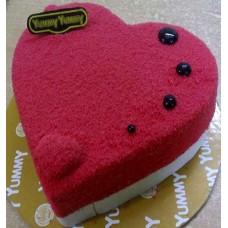 Yummy Yummy Crazy Heart Pastry Cake (1kg)
